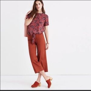 Madewell button back tie tee in Assam floral. (L)